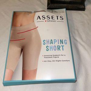 Assets ❤️Spanx Shaping Shorts